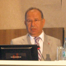 Dr. Tayfun Acarer