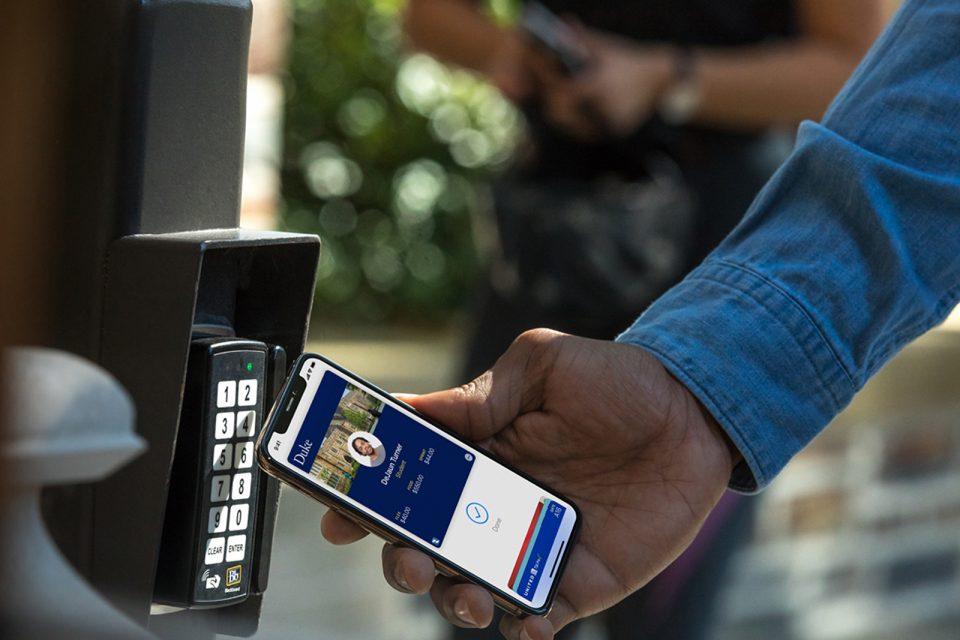 Apple Wallet, öğrenci kimliği olarak kullanılabiliyor