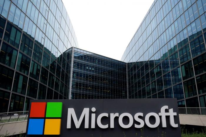Microsoft'un piyasa değeri Apple'ı geçti