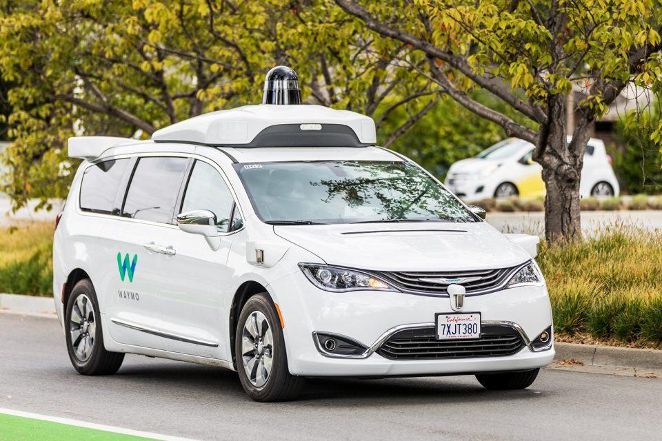 Waymo, sürücüsüz araçlarını trafiğe çıkarmaya hazırlanıyor