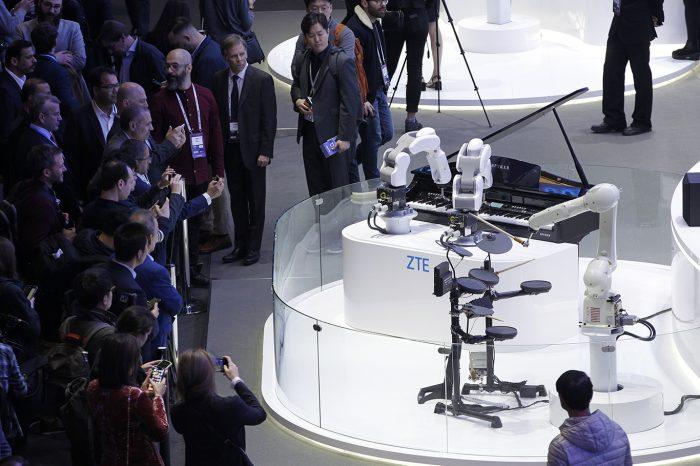 Mobil Dünya Kongresi'ne 5G ve katlanabilir ekranlar damga vurdu