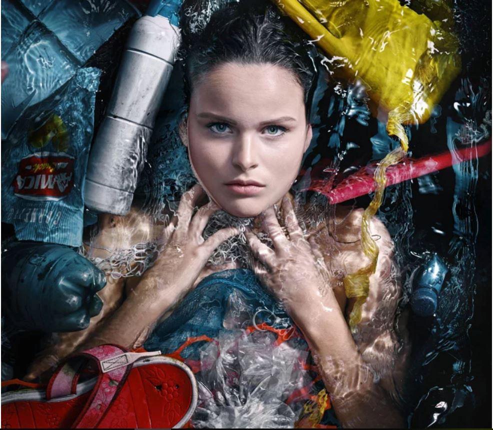 Plastik atık denizaltında sergi 3