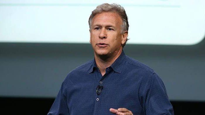Phil Schiller, MacBook'u övdü Chromebook'u sövdü