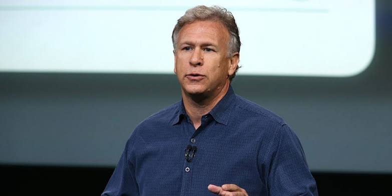 Phil Schiller, MacBook'u övdü Chromebook'u sövdü