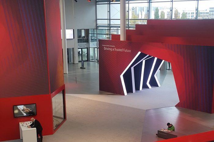 Fujitsu Forum Münih 2019'da Bu Yıl Teknolojinin Gücünün Nasıl Bir Güvenilir Geleceği Oluşturulabileceği Sunuluyor