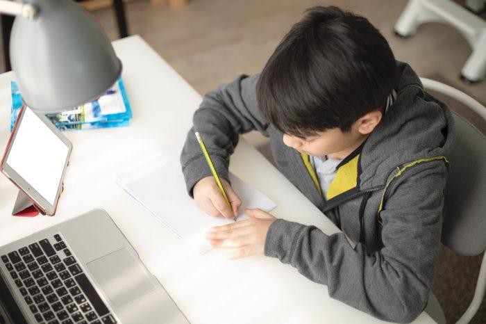 Evden çalışma ve eğitim için daha yaygın ve güçlü bir fiber altyapı şart