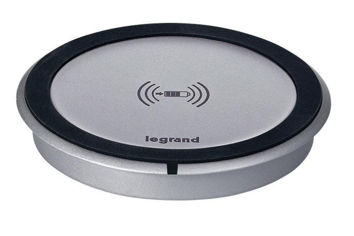 Evde ve ofiste Legrand masa üstü kablosuz şarj cihazı ile hayatınızı kolaylaştırın
