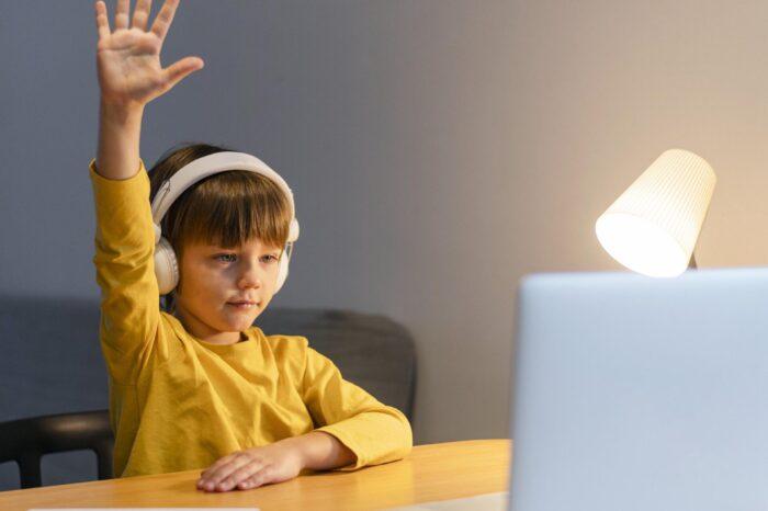 Gerçek sınıfın dijital ikizi: myViewBoard Classroom