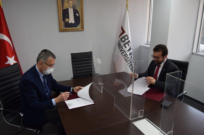 OSTİM Teknik Üniversitesi ve Beykoz Üniversitesi Arasında İkili İş Birliği Protokolü İmzalandı