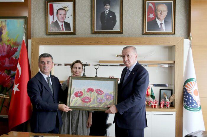 Cumhurbaşkanı Recep Tayyip Erdoğan, Gölbaşı Belediyesi'ni Ziyaret Etti