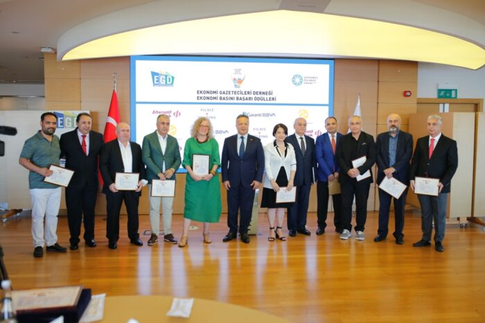 XIII. Ekonomi Basını Başarı Ödülleri sonuçları açıklandı Ekonomi Basını Başarı Ödülleri verildi
